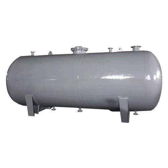 承压储水箱